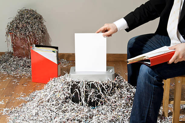 how to shred paper with scissors